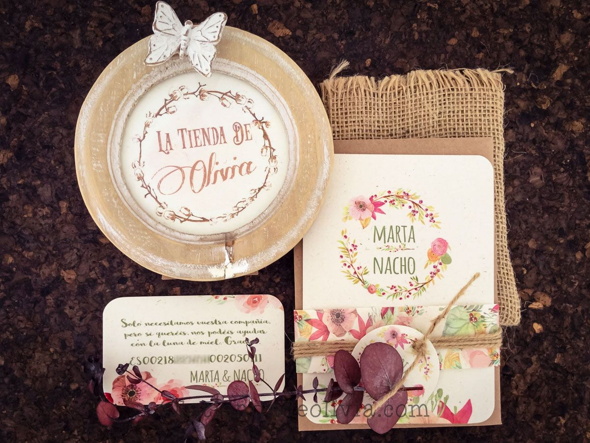 Invitaciones de boda floral con corona de flores, tarjeta bancaria, etiqueta y vitolas de papel a juego