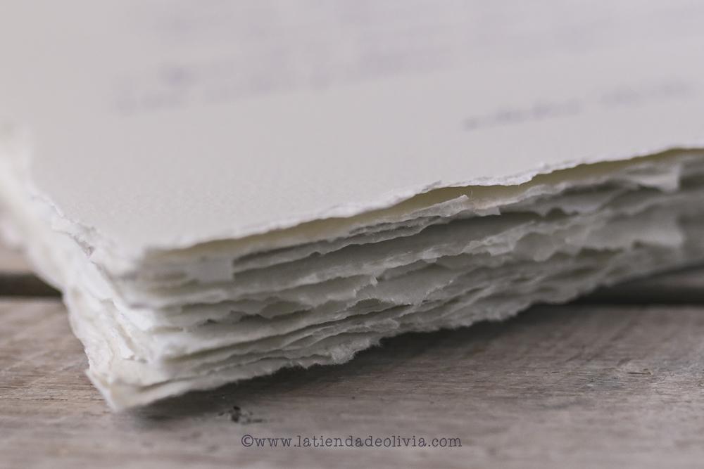 Minutas de boda con papel y efecto rasgado artesenal
